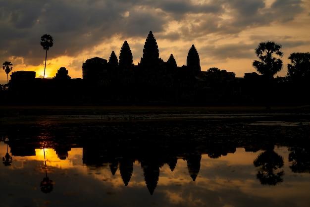 Der tempel von angkor wat in kambodscha