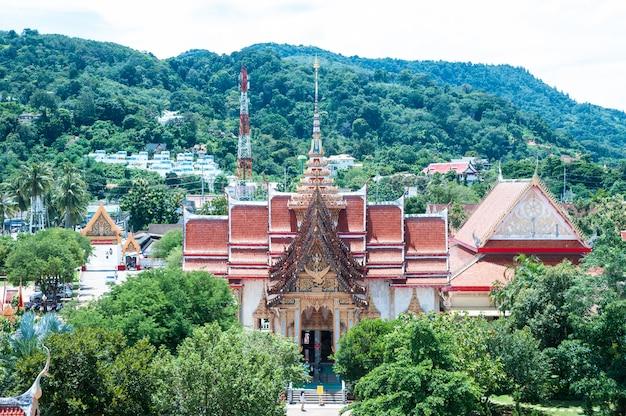 Der tempelkomplex von wat chalong in phuket, thailand