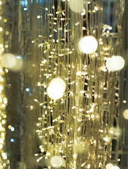 Der undeutliche helle designhintergrund von bokeh-licht