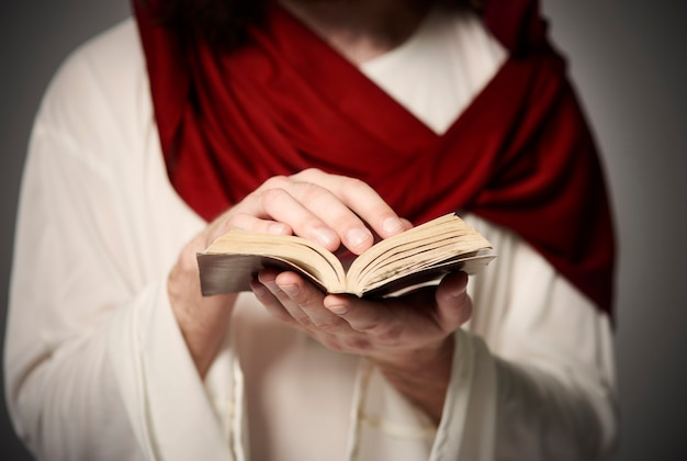 Der weg zu jesus führt über hingabe und leiden