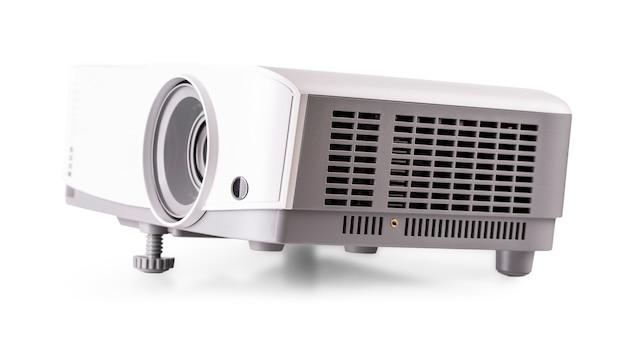 Der weiße multimedia-projektor isoliert auf weißem hintergrund