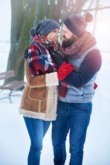 Der winter ist auch eine jahreszeit der liebenden