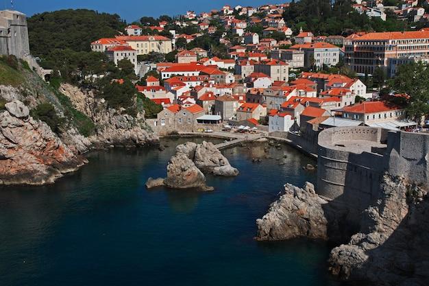 Der yachthafen in der stadt dubrovnik an der adria, kroatien