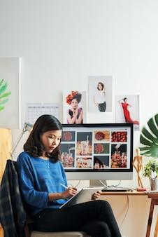 Design mit digitizer im büro erstellen