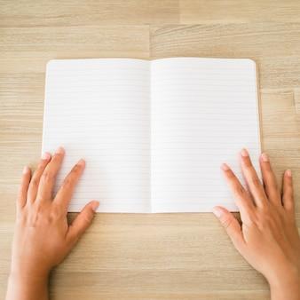 Desktop mit notebook