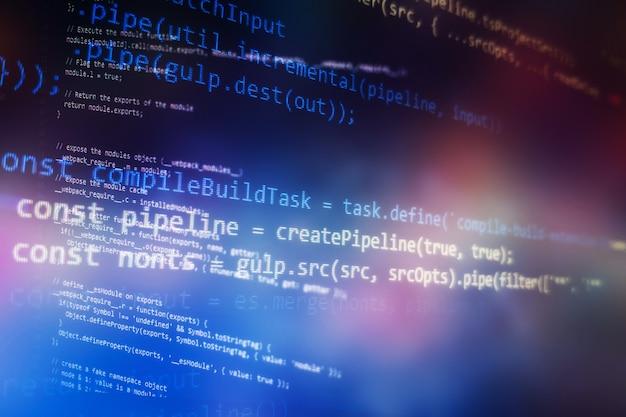 Desktop-pc-monitorfoto. javascript-funktionen, variablen, objekte. projektmanager arbeiten neue idee. zukünftiger technologie-erstellungsprozess.