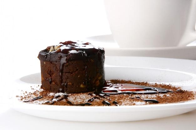 Dessertkuchen mit schokolade und marmelade