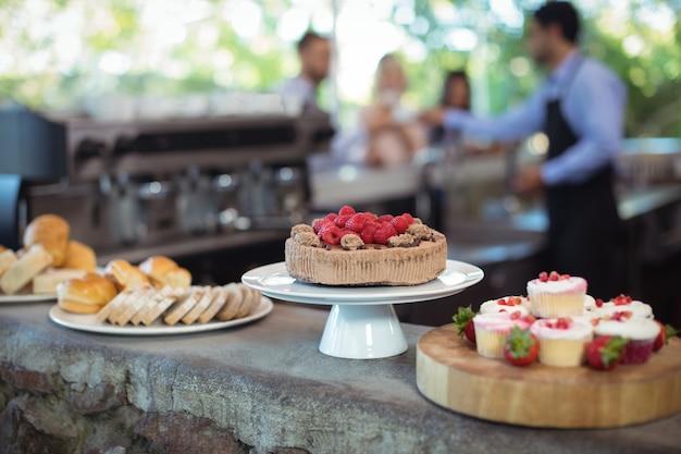 Desserts an der theke