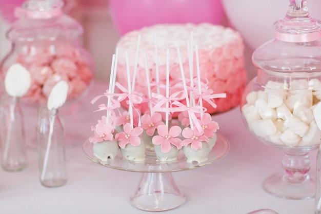 Desserttisch für eine party.