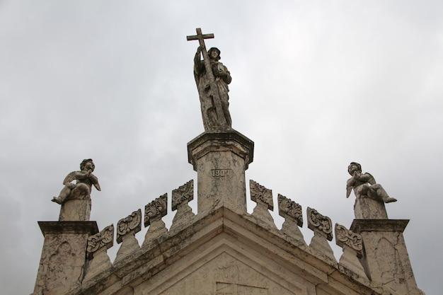 Detail der krypta im kirchhof