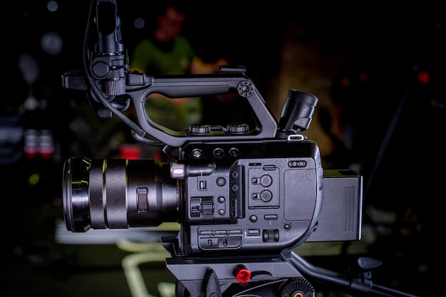 Detail der professionellen kameraausrüstung, filmproduktionsstudio