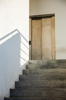 Detail der städtischen treppe