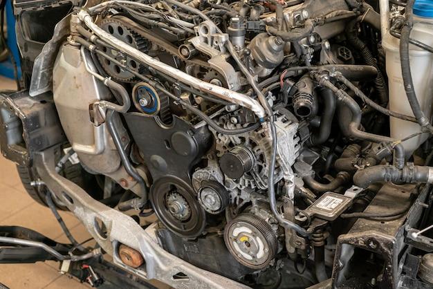 Detail des automotors zur wartung zerlegt