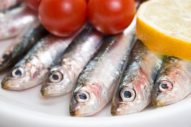 Detail von frischen rohen fischen