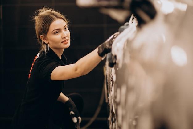 Detaillierungsstation für autowaschanlagen