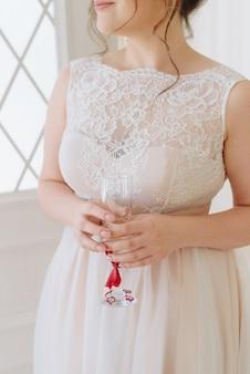 Details der braut im hochzeitskleid