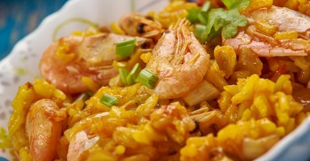 Devil fried rice ist chinesisches, modernes asiatisches essen.