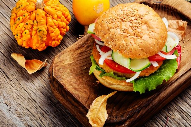 Diät hamburger mit gemüse