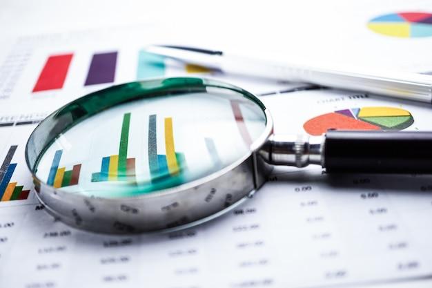 Diagramm diagrammpapier. finanz-, account-, statistik-, analytische forschung datenwirtschaft
