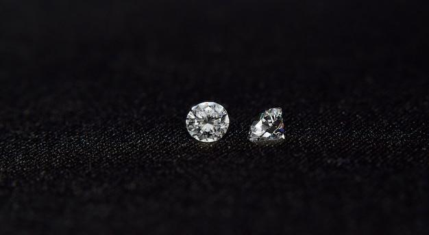 Diamanten sind wertvoll, teuer und selten. für die herstellung von schmuck