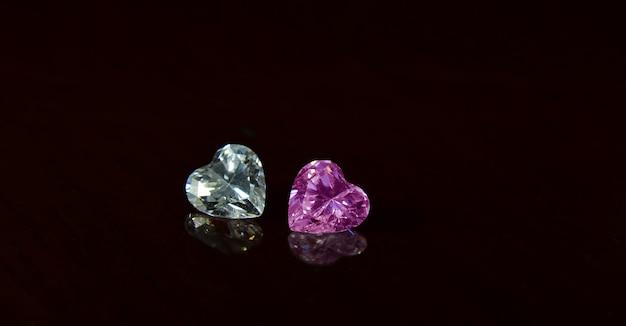 Diamanten sind wertvoll, teuer und selten. zur herstellung von schmuck