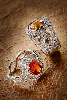 Diamantringe mit edelsteinen