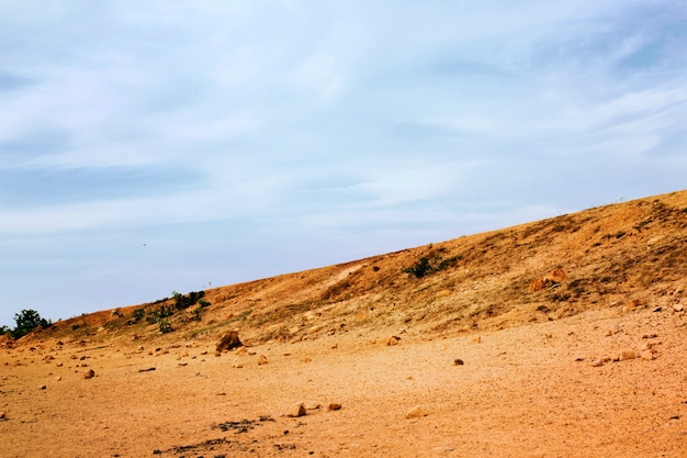 Die abfallende ansichtsroute schneidet sich mit dem horizont.