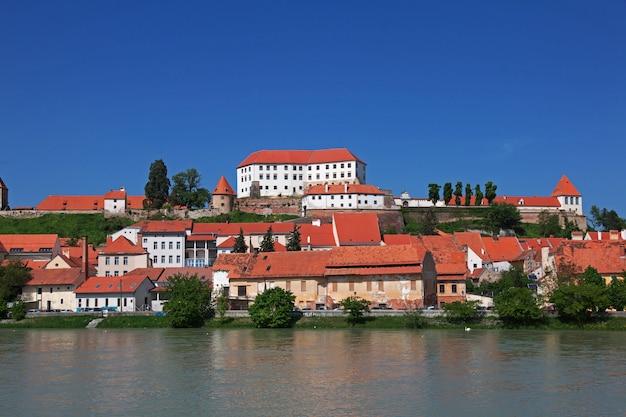 Die ansicht über mitte von ptuj, slowenien