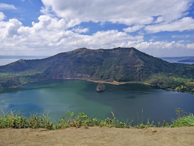 Die ansicht über taal-vulkan, philippinen