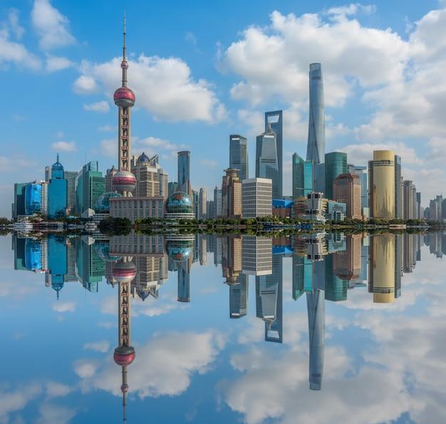 Die architekturlandschaft von lujiazui, der bund, shanghai