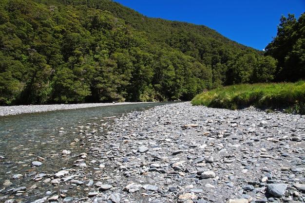 Die berge und das tal der südinsel, neuseeland