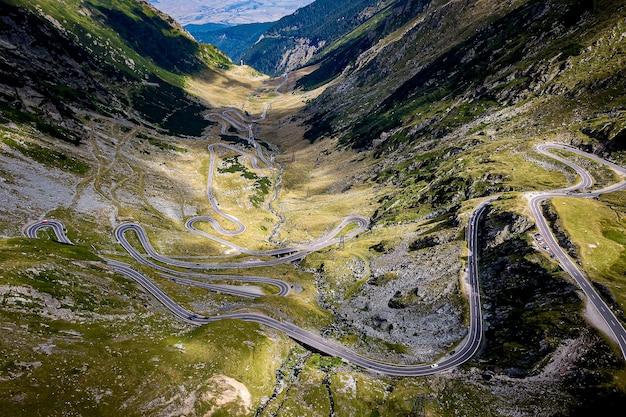Die beste fahrstrecke der welt. transfagarasan, rumänien