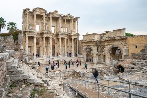 Die bibliothek von celsus in ephesus izmir, die türkei