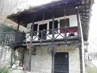 Die cherepich kloster, alte, aus holz