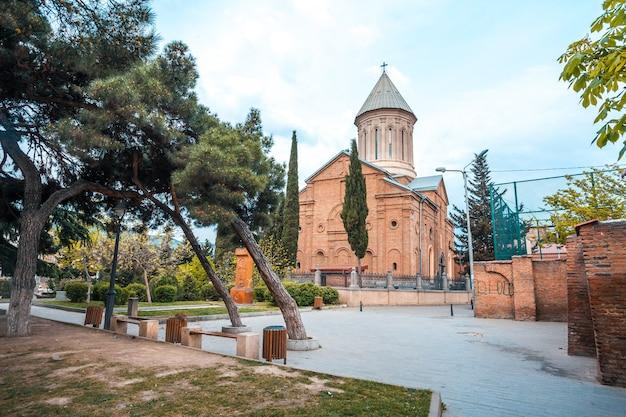 Die ejmiatsin-kirche der armenisch-apostolischen kirche