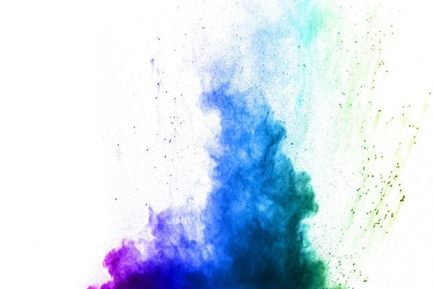 Die explosion des mehrfarbigen pulvers.