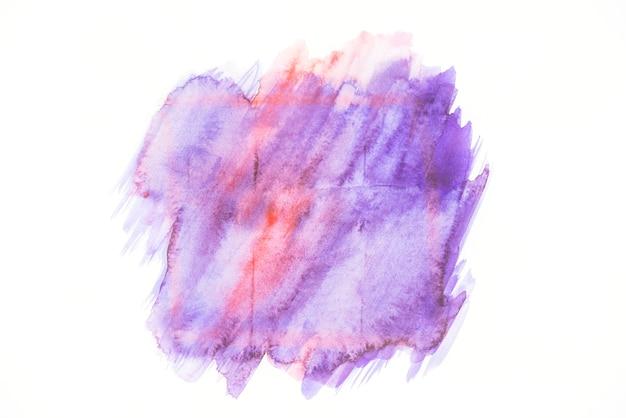 Die farbe spritzt auf dem papier
