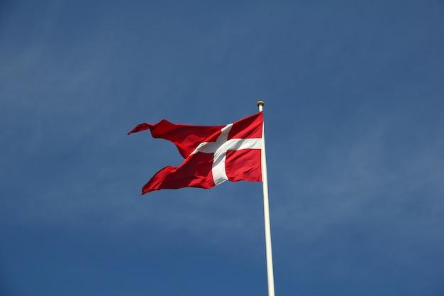 Die flagge in der kopenhagen-stadt, dänemark