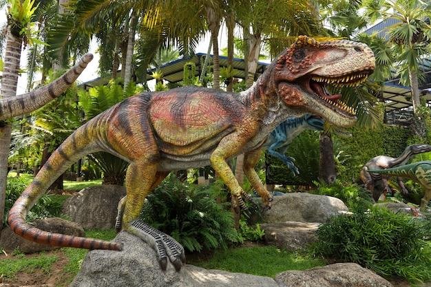 Die fleischfressende dinosaurierstatue