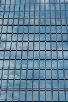 Die glasfenster des gebäudes