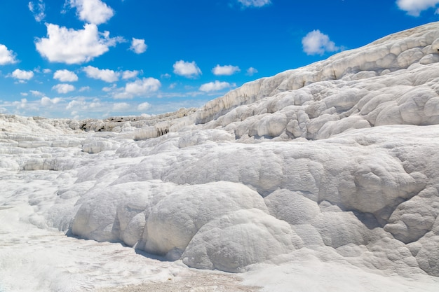 Die kalziumtravertine in pamukkale, türkei