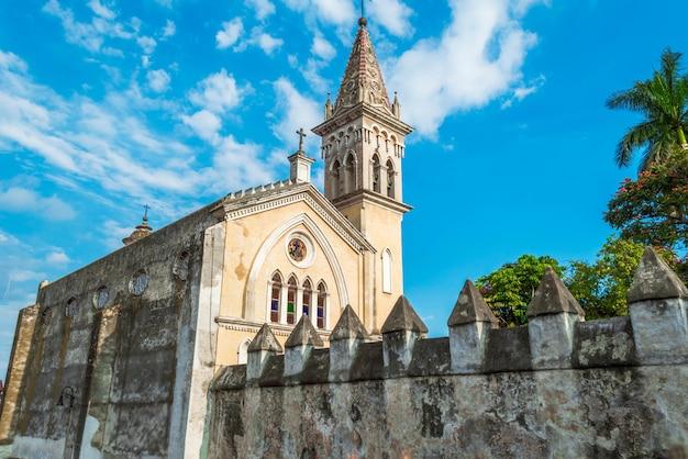 Die kathedrale mariä himmelfahrt von maria de cuernavaca, römisch-katholische kirche der diözese cuernavaca, befindet sich in der stadt cuernavaca, morelos