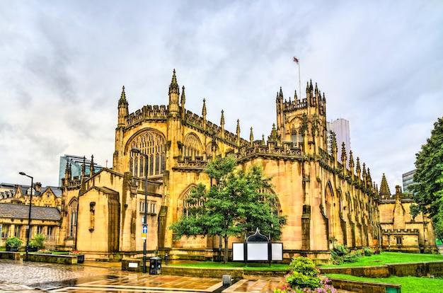 Die kathedrale und die stiftskirche st. mary, st. denys und st. george in manchester, england