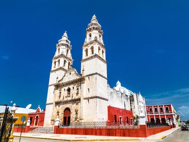 Die kathedrale unserer lieben frau von der unbefleckten empfängnis in campeche city, mexiko