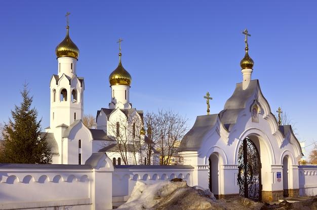 Die kirche im namen des erzengels michael in der orthodoxen kirche in nowosibirsk