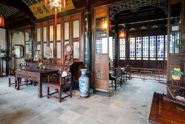 Die klassische halle im chinesischen stil im garten des bescheidenen administrators, suzhou, china