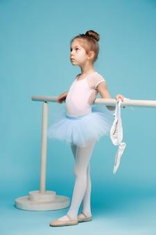 Die kleine balerina-tänzerin