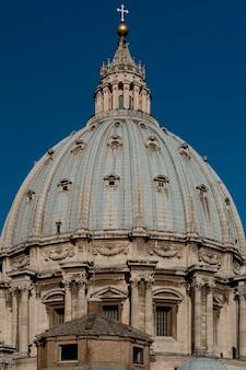 Die kuppel des petersdoms in rom