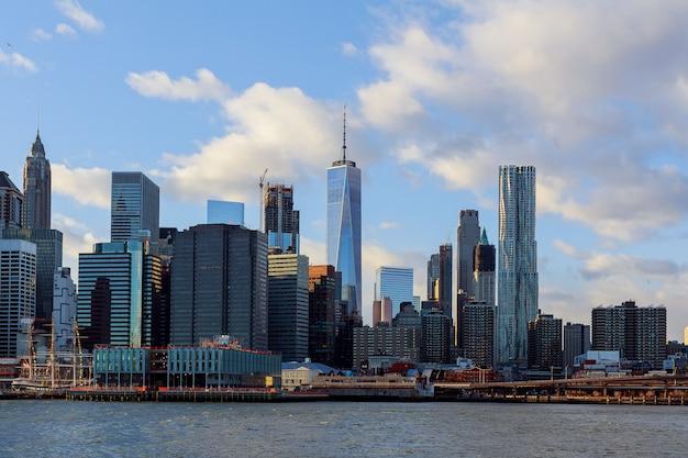 Die manhattan-skyline von, new york.