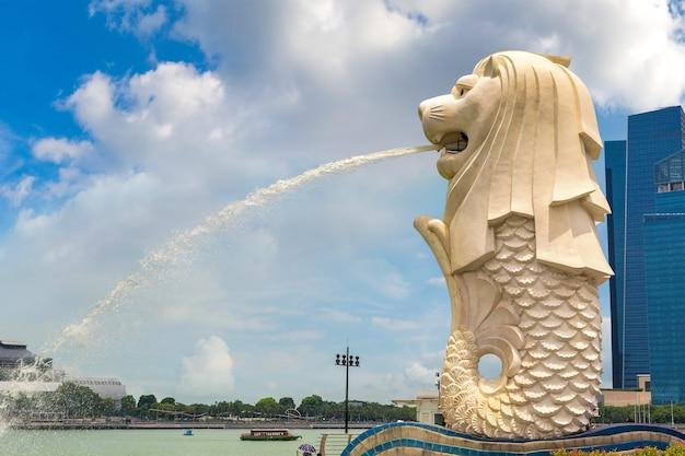 Die merlion brunnenstatue - symbol von singapur